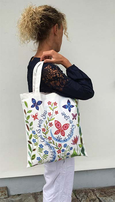 Hannah Dunnett The Lord is with you canvas bag model image